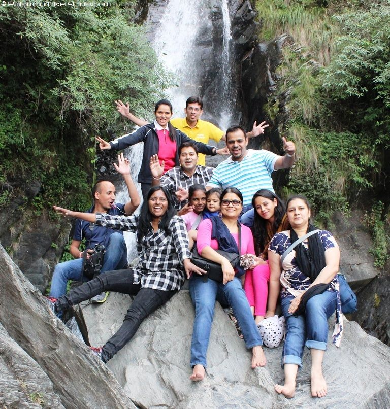 Group picture in front of Bhagsu Nag water fall